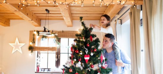 minimalism with kids, minimalist Christmas, minimalist decorations