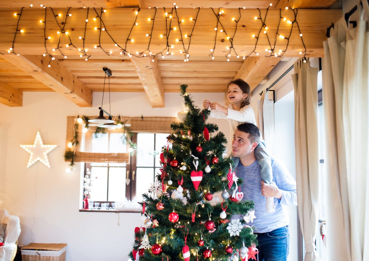 3 Simple Steps To Decorate For A Minimalist Christmas